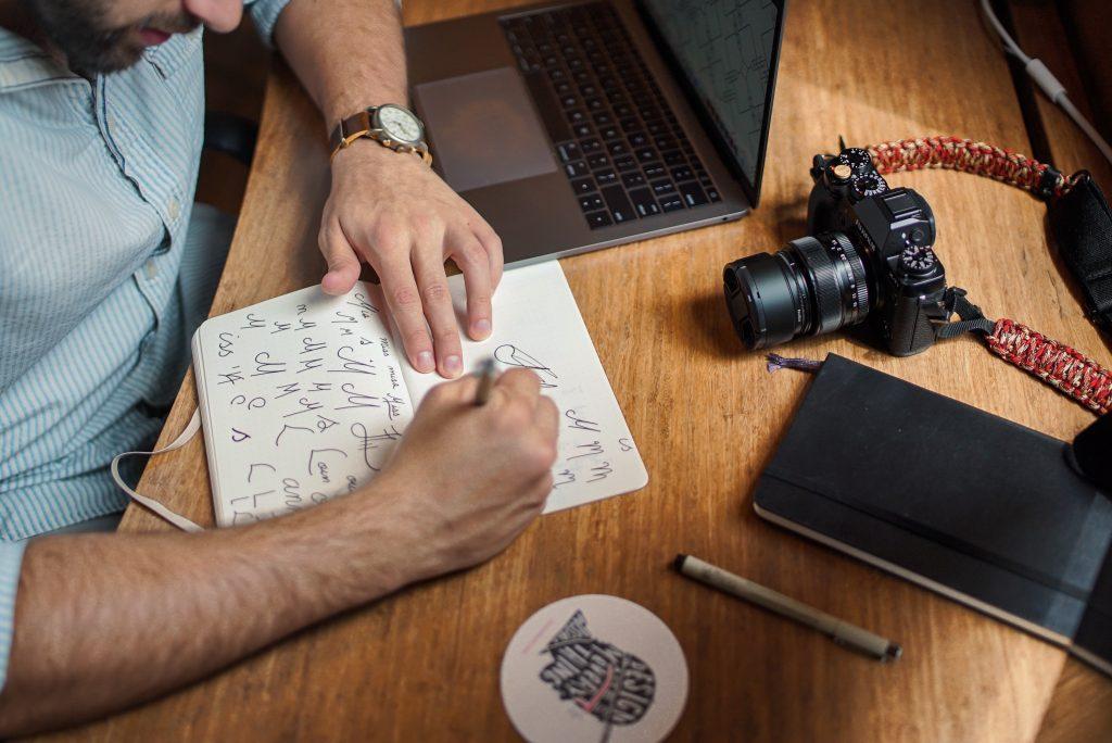 hacer-branding-digital-venezuela-servicios-zuliatec-lettering